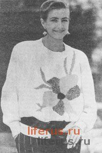 Пуловер с цветком размеры 42-44, 46-48 и 50-52